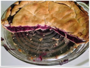 The cut Blueberry with Apple pie.