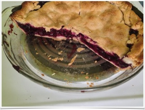 The cut (non-modified) Blueberry pie.