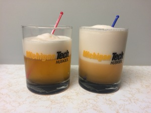 Egg white foam created in the shaker (left) and blender (right). Note the distinct volume difference of the foam!